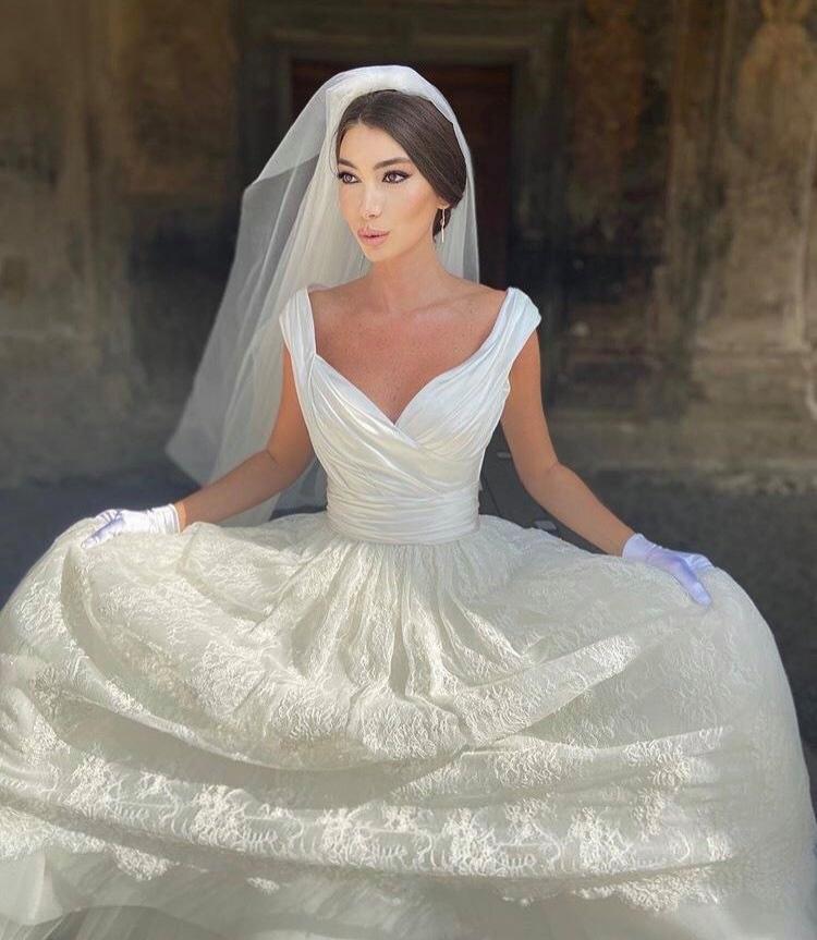 """ქორწილი რეგულაციის დაცვით"""" - ნანუკა გოგიჩაიშვილი და ნიკოლოზ ნაყოფია  დაქორწინდნენ - მარაო.გე"""